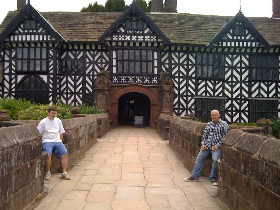Speke Hall: The entrance