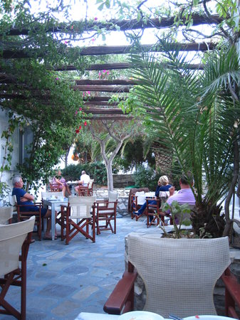 Hotel Manos : breakfast area
