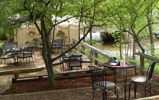 The Pump House Restaurant: Riverside Dining