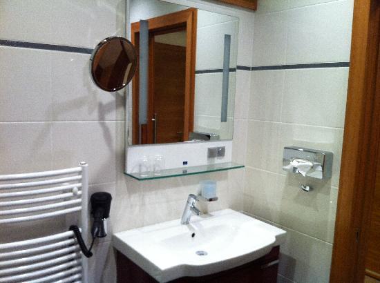 Hotel Vitality : Bathroom