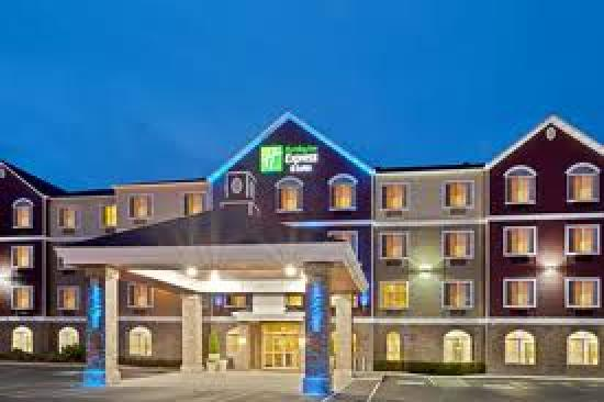 Holiday Inn Express Hotel & Suites Seaside Convention Center: Welcome to the Holiday Inn Express & Suites