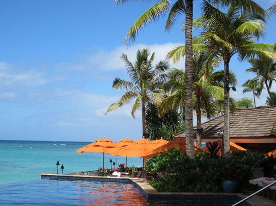 Sheraton Waikiki: Beautiful view from the infinity pool