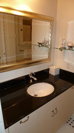 Steinhart: bathroom