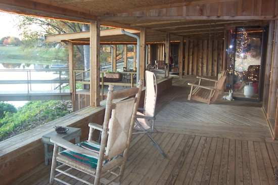 Starlight Plantation: Decking/Back Porch