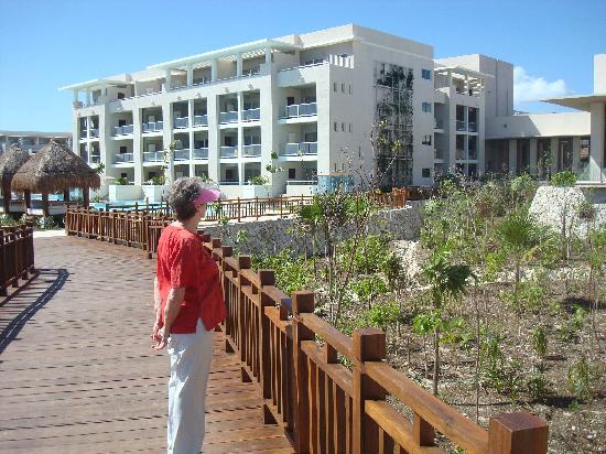 Paradisus Playa del Carmen La Perla: una vista general