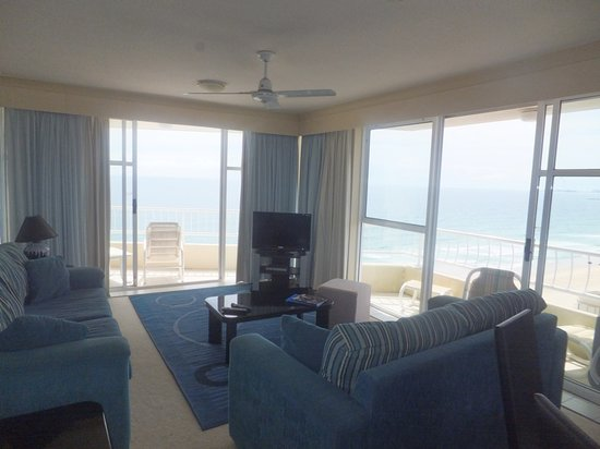 19th Avenue on the Beach : Living area with beautiful views