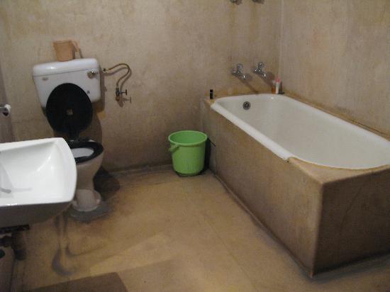 Lauries Hotel : Bathroom2