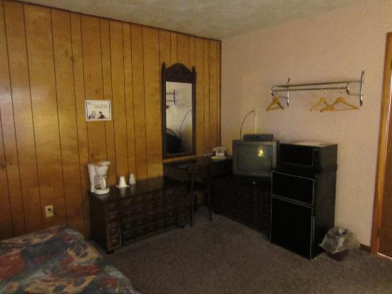 Browns Hill Tavern & Motel : Room