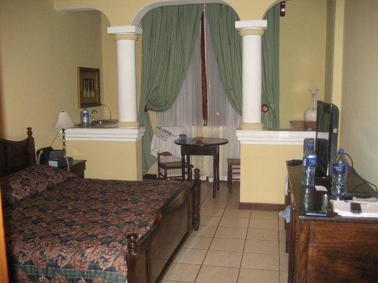 كاسا الهمبرا: Anotrher view of my room
