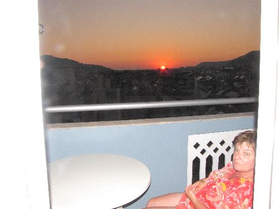 Hotel Lavinia Apart: sunset from our balconey