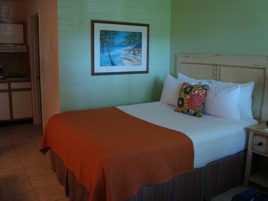 Sunshine Suites Resort: Our room