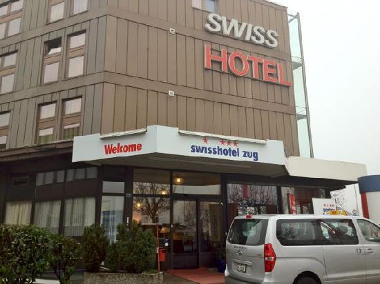 Quality Swisshotel Zug: Entrance