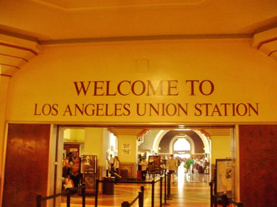 Metro Plaza Hotel: Union Station ,LA, Main entrance.