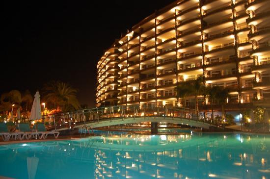 Anfi Beach Club Gran At Night
