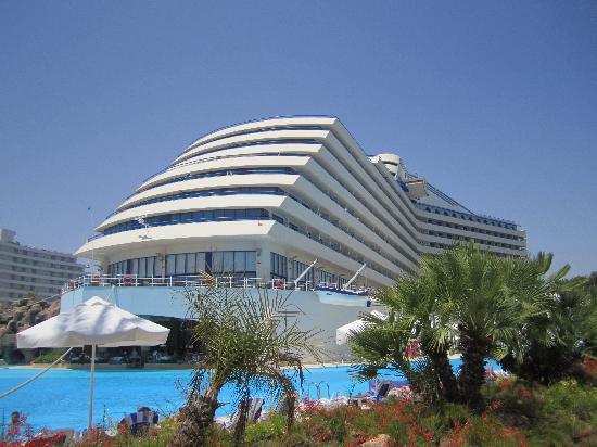 فندق تيتانيك ديلوكس بيتش آند سبا: Hotel pool side view (picture from initial visit prior to the selection of the conference hotel)