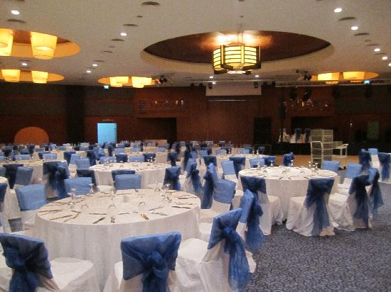 Titanic Beach Lara Hotel: Conference room prepared for social night/dinner