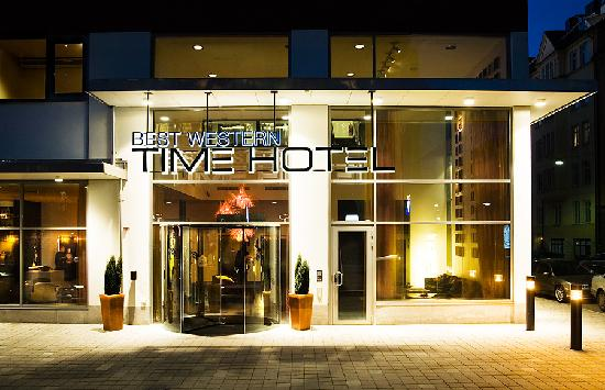 BEST WESTERN PLUS Time Hotel: Entrance