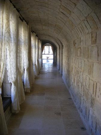 Goreme Suites: hallway ourside our room