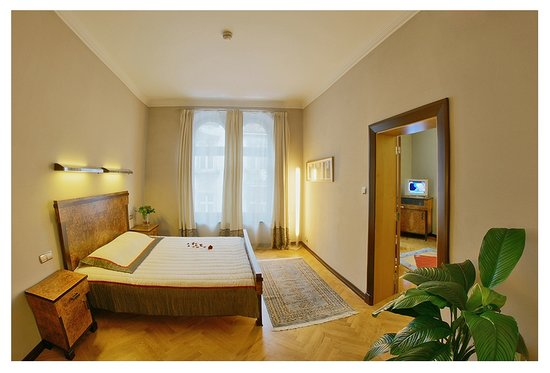 Hotel Monopol: Junior Suite