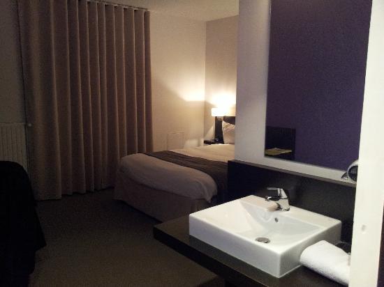 Hotel Central : lavabo dans la chambre, pas toujours pratique