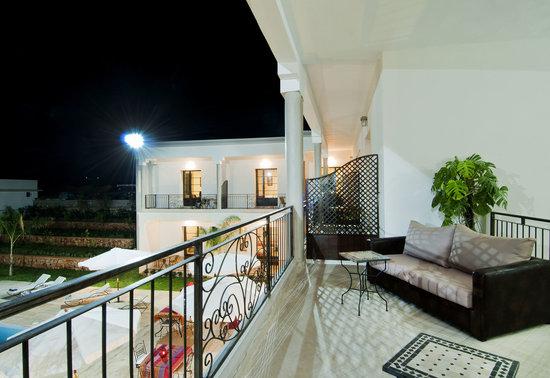 Villa Agapanthe: Salon extérieur