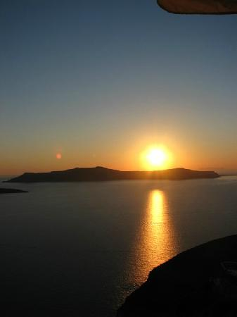 Santorini, Grecia: Sunsets are amazing