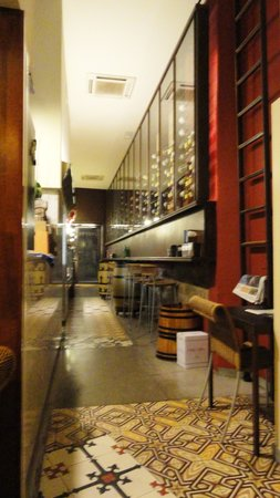 Photo of Mediterranean Restaurant Onofre at Magdalenes, 19, Barcelona 08002, Spain