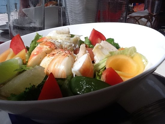 Catherines Cafe Plage: lobster salad. . .yum!