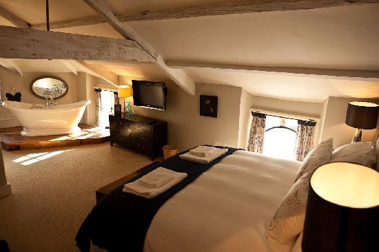 The Fontmell: Room - Mallyshag