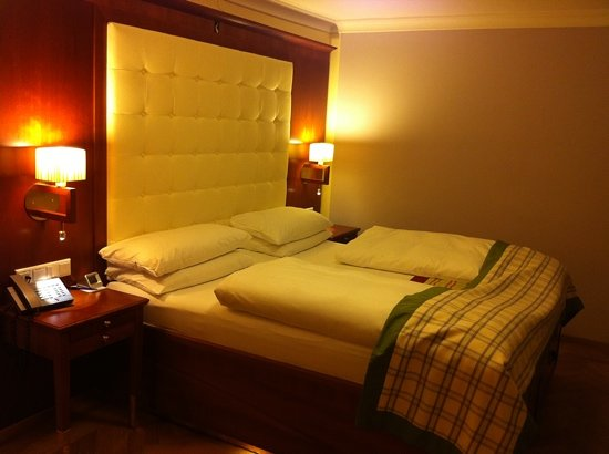 Hotel Elefant: comfortable bed