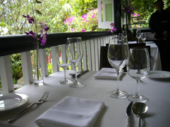 Flutes: Crisp, white linen outside on the verandah.