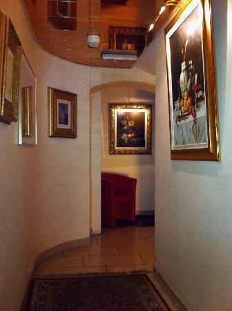 Hotel Admiral Geneva: Etage de la Réception