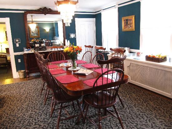 Gibson's Lodgings: Our Dining Room