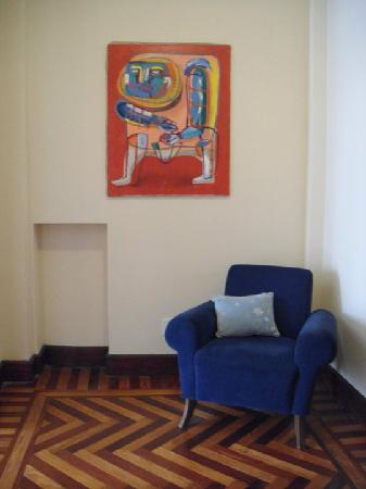 Casa Sarandi Guesthouse: The lobby features a painting by Casacuberta.