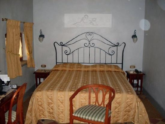 Hotel Della Robbia: il letto