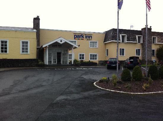 Park Inn by Radisson Shannon Airport: Outside