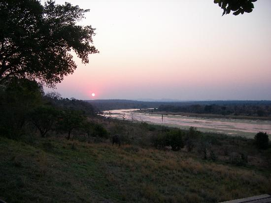 Buhala Lodge: Dinner at Sunset