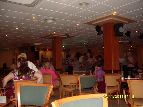 Hotel RH Princesa: Ambiente nocturno