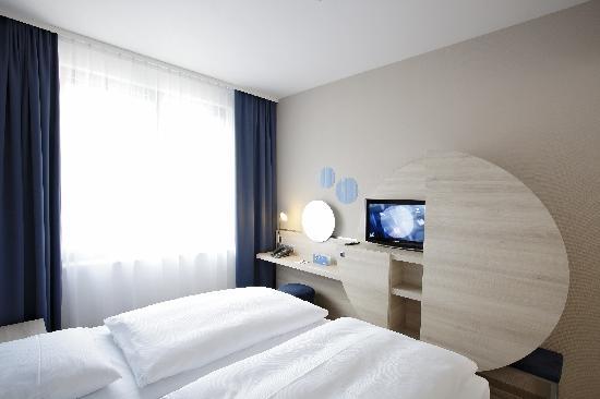 H2 Hotel Berlin Alexanderplatz: Standard-Doppelzimmer