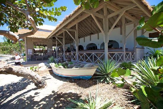 Cooper Island Beach Club Restaurant: Restaurant by day