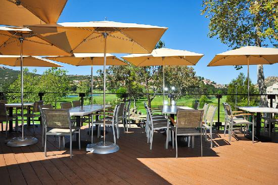 San Vicente Golf Resort: Par Lounge Deck outdoor dining and views