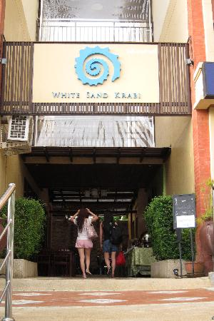 ‪‪White Sand Krabi Hotel‬: Main entrance‬