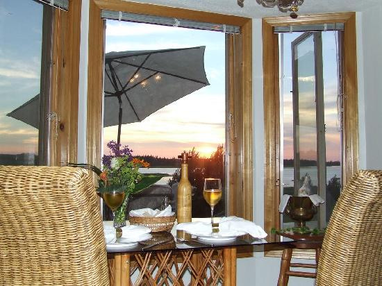 Covehead Bay B&B: award winning sunsets