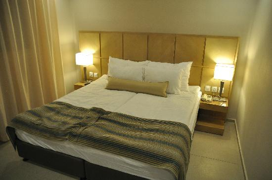 Kibbutz Ein Gedi Country Hotel : Our Comfy Bed !