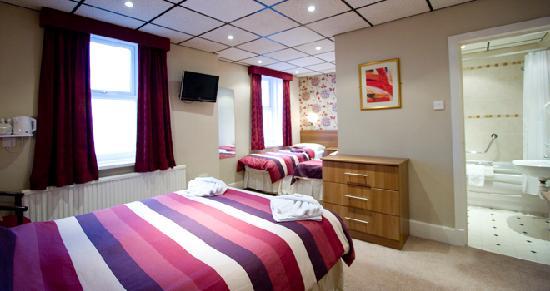 Doric Hotel: Family Room