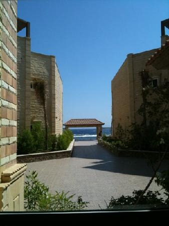 Dahab Hotel: View from courtyard ,in the morning a nice breeze blows here, cool!!