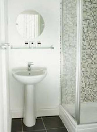 Grey's Hotel: Bathroom