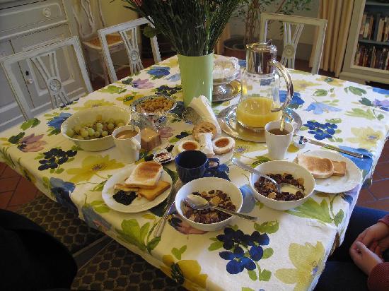 Relais Cavalcanti: Self served breakfast