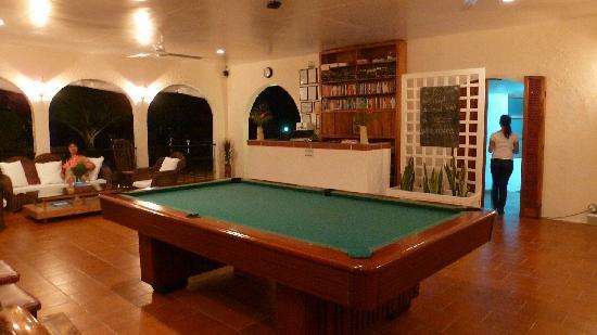 Blue Star Dive & Resort: Pool spielen gratis