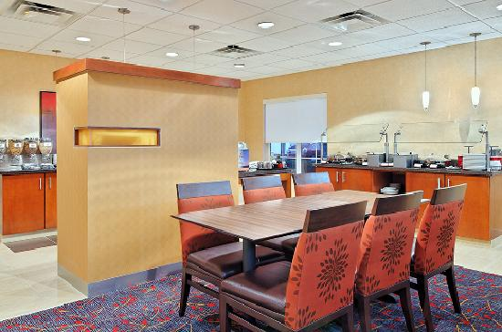 Residence Inn Sarasota Bradenton: Breakfast Dining Area